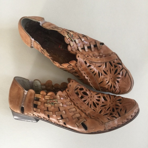 PIKOLINOS Shoes - Pikolinos 38 Brown Leather Huaraches Sandals